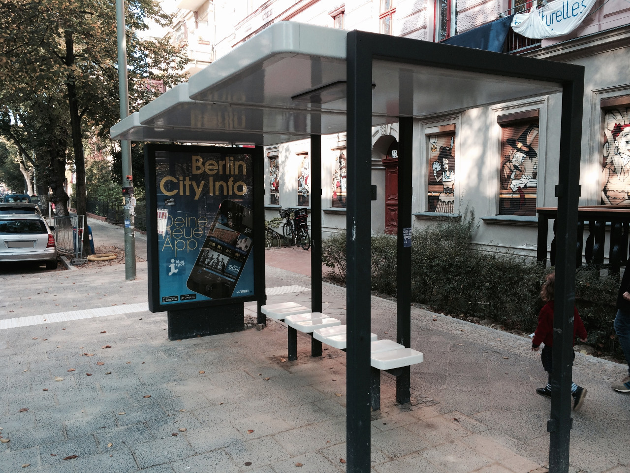 Neue Bushaltestelle an der Flora- Ecke Görschstraße