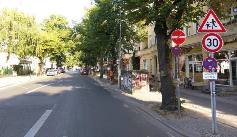 Florastraße als Einbahnstraße